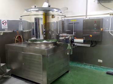Blending processing of dry products including crushing, milling, mixing and sieving
